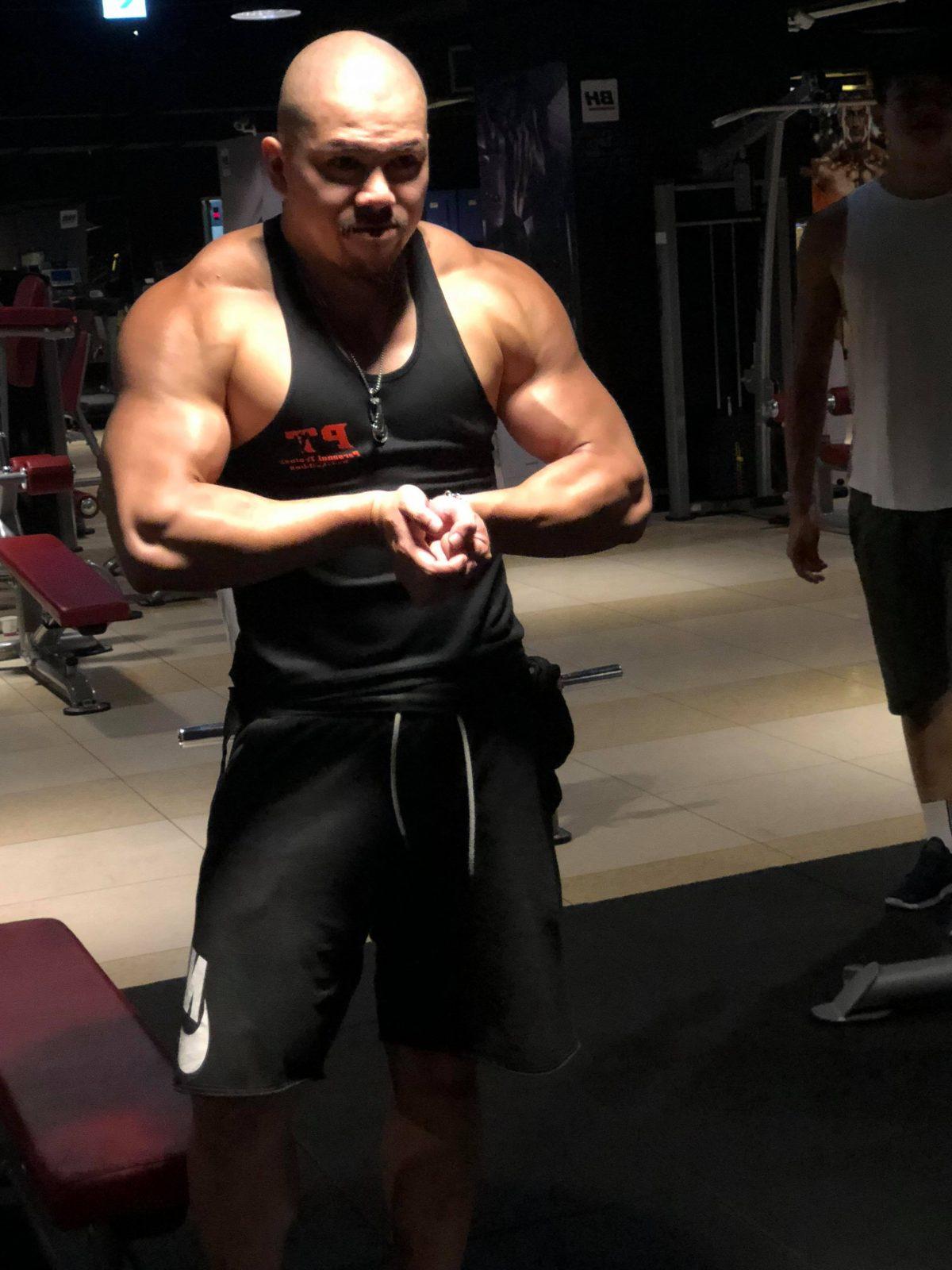 覺醒健身:1.新手健身常見問題—新手到底要不要上健身教練課?