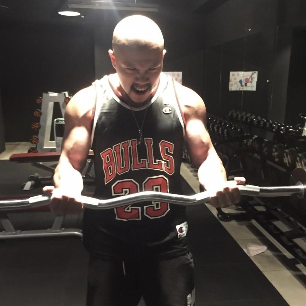 台中健身覺醒健身:【關於健身教練,到底會練是否等於會教?】